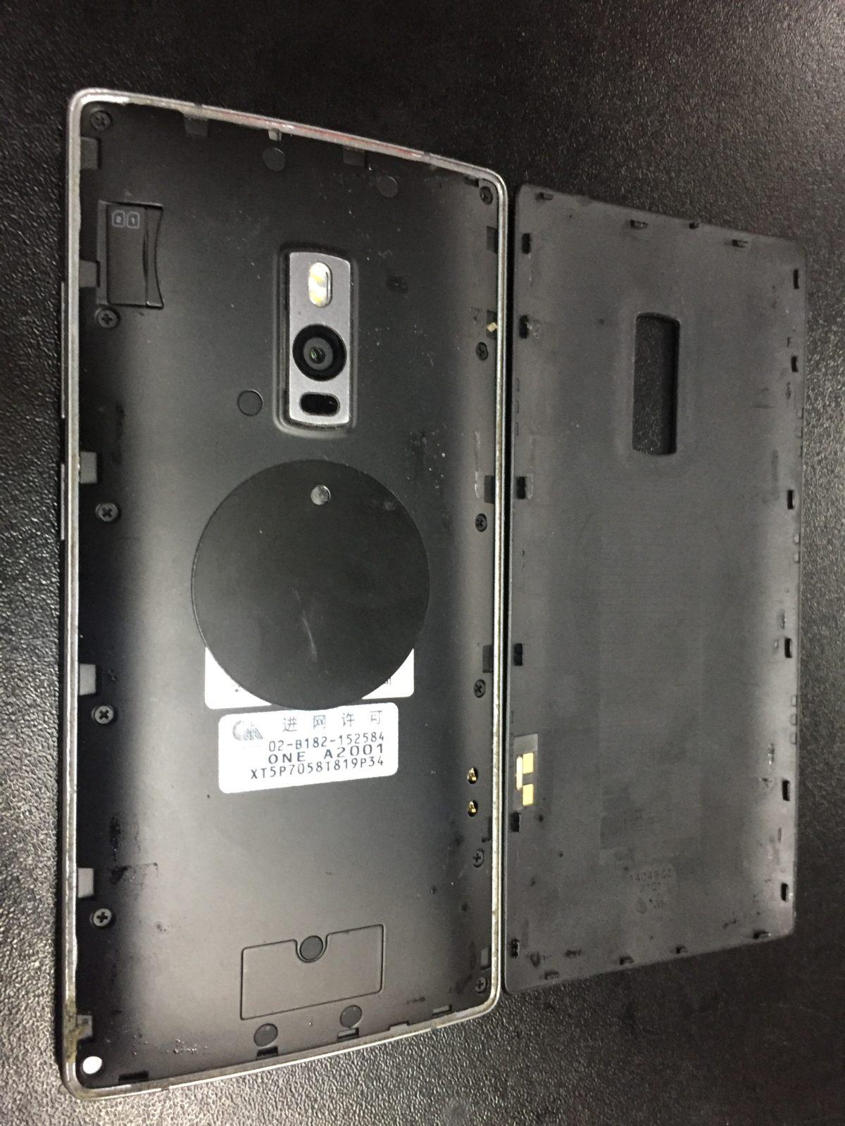 Замена дисплейного модуля на телефоне OnePlus 2