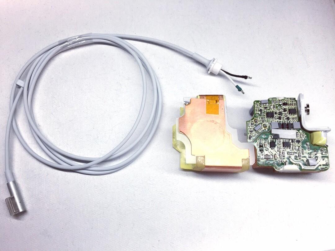 Ремонт зарядки macbook. Замена кабеля magsafe в Москве