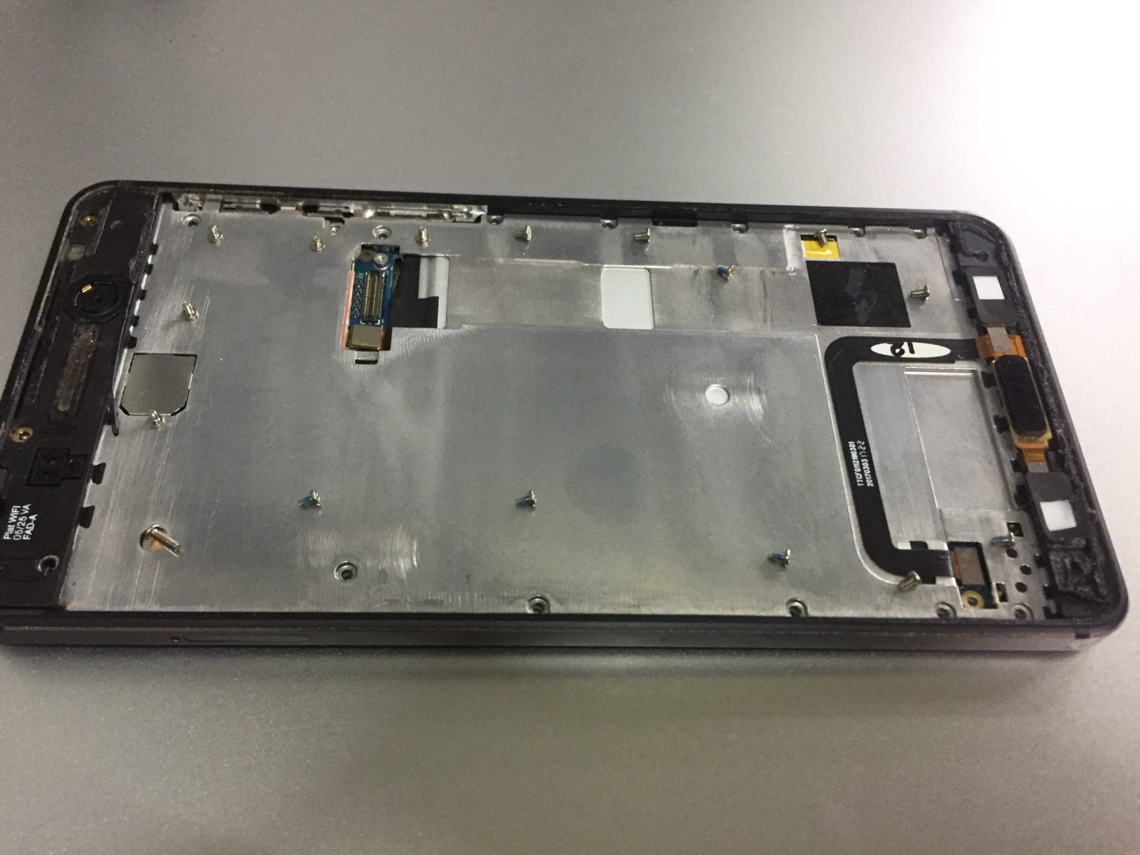 Nokia 6 не заряжается. Разборка и ремонт в картинках