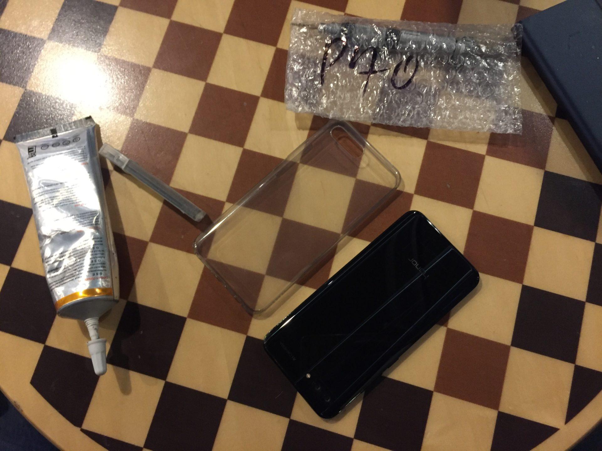 На Honor 10 разбилось стекло. Меняем дисплей ORiginal с выездом мастера